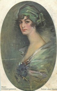 Reszo portrait einer Kunstler early postcard glamour woman green wimpel