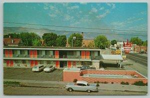 Baker Oregon~Royal Motor Inn Roadside Motel~1957 Chevy Car~Station Wagon