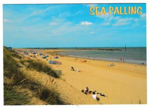 Postcard  Norfolk Sea Palling – The Sands