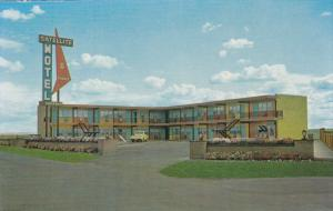 MEDICINE HAT, Alberta, Canada, 1940-1960's; Satellite Motel