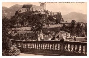 13359   Lourdes   Le Chateau Fort et les Montagnes