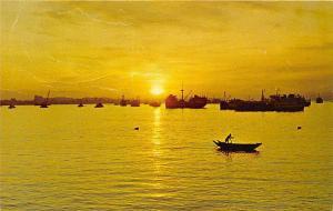 Sunrise in Singapore, Sun rising over the horizon, beautiful picture