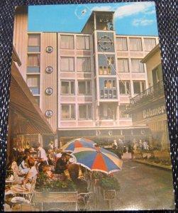 Germany Essen Blick auf das Glockenspiel in der Kettwiger Strasse - posted