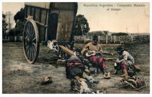 17590 Argentina 1906 Campestre Matando el tiempo  peasants relaxing drinking ...