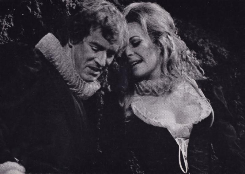 Alan Howard Janet Suzman Benedick & Beatrice Shakespeare Theatre Postcard
