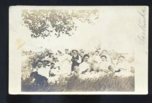 RPPC MADISON SOUTH DAKOTA SD FAMILY WOMEN VINTAGE REAL PHOTO POSTCARD