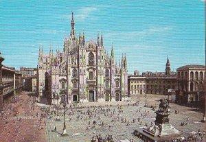 POSTAL B03863: Milano. Piazza del Duomo.