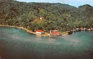 Honduras, Central America El lejano verde del bosque y el azul, Iglesia Metod...