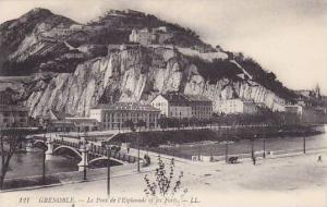 GRENOBLE , France , 00-10s ; Le Pont de l'Esplanade ei les Forts