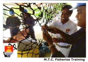 Kiribati Marine Training Centre  -  FISHERIES TRAING - SPLICING ROPES