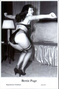 Actress Swiftsure 2000 Postcard PINUP PIN-UP BETTIE PAGE 333/57