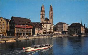 Switzerland Zurich Limmatquai und Grossmunster Church River Boat Postcard