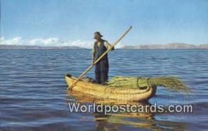 Puno, Peru Balsa de Totora en et Lago Titicaca, Boat, Lake Titicaca  Balsa de...