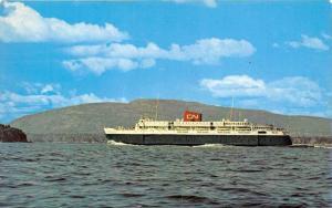 10799 The Bluenose leaving Bar Harbor, Mt. Cadillac and Mt. Champlain, Acadia...