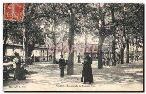 Vichy - Walk the old Park Prete Priest - Old Postcard