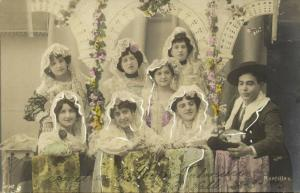 spain, Mantillas, Group of Women with lace or Silk Veils (1899) RPPC