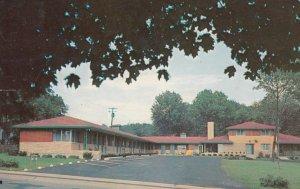 MONTGOMERY , Ohio , 1957 ; Elm-Cris Motel
