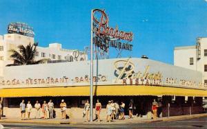 Miami Beach Florida Parhams Restaurant Street View Vintage Postcard K670802