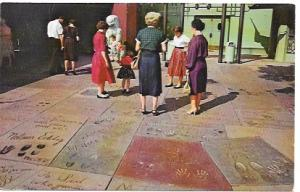 US Hollywood, California - Forecourt, Chinese Theatre. Footprints, handprints .
