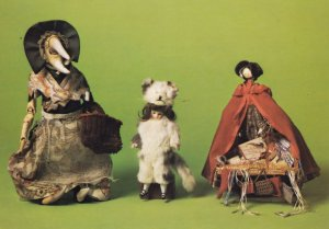 Queen Victoria Dog Doll Lilliput Doll Museum Isle Of Wight Postcard