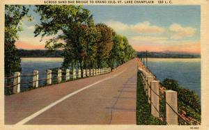 VT - Lake Champlain. Road to Grand Isle