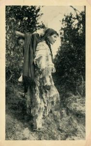 AMERICAN INDIAN LITTLE PAPOOSE ANTIQUE POSTCARD