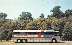 Buses/Bus Stations Post Card Greyhound Bus Unused