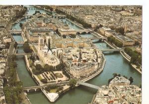 Postal 034526 : Paris. Vue aerienne de lille de la Cite et de Notre-Dame