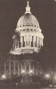 MADISON , Wisconsin , 1940-60s ; Capitol Dome Illuminated at Night