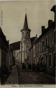 CPA  Neuvy-Ecole Communale et le Clocher   (293140)