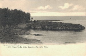 USA Black Rocks Lake Superior Marquette Michigan 03.21