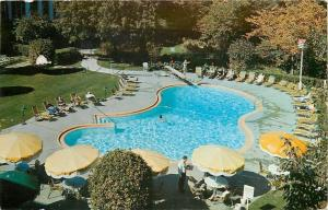 Highland Park IL~Guests Lounge with Backs to the Sun Hotel Moraine~1960s