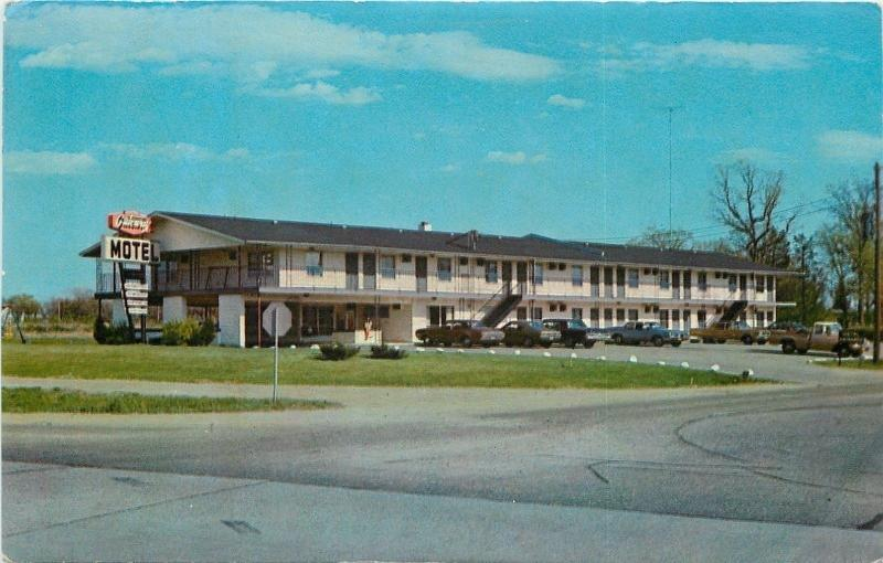 St Cloud Minnesota Gateway Motel Norb Yenish Owner 1960s Cars Postcard
