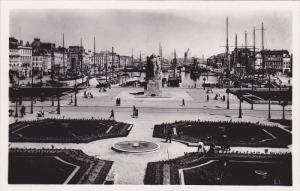 RP; LE HAVRE, Seine Maritime, France; Place Gambetta et las nouveaux jardins,...