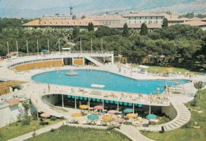 Swissotel Grand Efes Izmir Turkey Swimming Pool 1970s Postcard