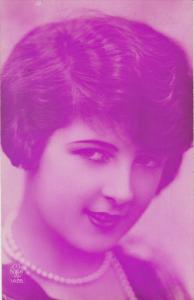 Portrait of short-haired brunette woman, PU-1928