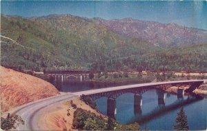 Automobile Rail Bridges Shasta Lake California Roberts #C131 Postcard 20-5077