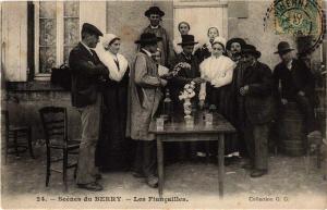 CPA Scenes du Berry Les Fiancailles (613442)