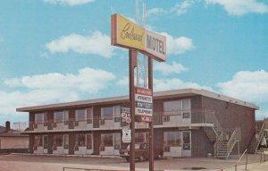 WINNIPEG , Manitoba , Canada , 1950-60s ; Boulevard Motel