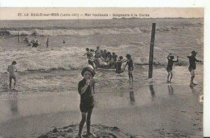France Postcard - La Baule-Sur-Mer - Mer Houleuse - Balgneurs a La Corde  17135A