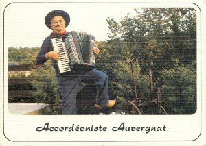 Postcard Ethnic traditions French folklore costumes l Auvergne