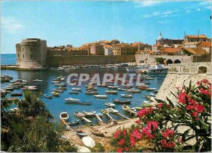 Postcard Modern Dubrovnik Old Port of the City and Fort St. John Yacht