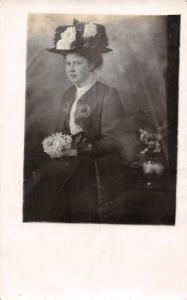 Vintage Fashion Glamour Artistic Lady Woman Fancy Hat Flowers Roses, Postcard