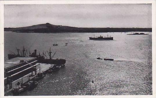 Steamer, Bahia Con El Cerro Al Fondo, Montevideo, Uruguay, 1910-1920s