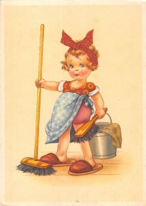 US4832 Little Girl Cleaning Postcard