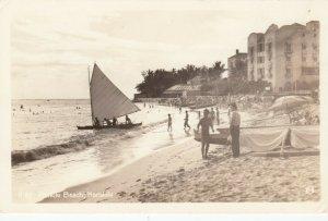 RP: Waikiki Beach , Hawaii , 30-40s