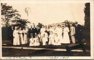 Stronghurst IL~Marshall-Richey Reunion~Toddlers to White Beard~US Flag~1917 RPPC