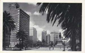 RP; Plaza Independencia, Montevideo, R. O. de Uruguay, 10-20s