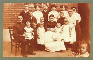 Nostalgia Postcard Mr & Mrs Terry and Family, Greenwich 1914 Repro Card NS24