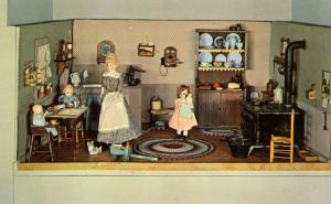 SD - Custer. Game Lodge Doll House (Gurney Collection). Mama's Kitchen